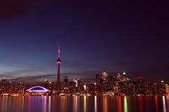 城市scape在多伦多,加拿大晚上  库存图片