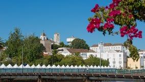城市Tavira的全景在阿尔加威,葡萄牙,欧洲 免版税图库摄影