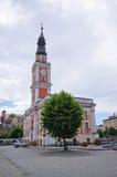 城镇厅和正方形在莱什诺,波兰 库存图片