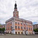 城镇厅和正方形在莱什诺,波兰 库存照片