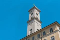 城镇厅在利沃夫州市市中心集市广场的在老镇,西乌克兰 免版税库存照片