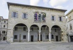 城镇厅在普拉,克罗地亚城市 库存图片
