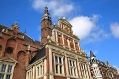 城镇厅Stadhuis的华丽和五颜六色的建筑学在哈莱姆 库存照片