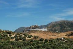 城镇和乡下, Zahara de la Sierra,西班牙。 库存图片