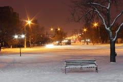 城镇在冬天晚上 免版税库存照片