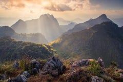 城镇Dao山,第3座高山在泰国,日落的 库存照片
