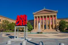 费城,美国- 2016年11月22日:费城宾夕法尼亚艺术馆东部入口和北部翼 库存图片