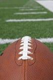 域橄榄球鞋带 免版税库存图片