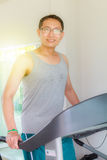 培训在体操里 免版税图库摄影