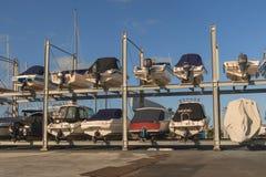 基于岸的几艘帆船 免版税库存照片