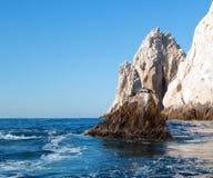 """基于""""the Pointâ€土地Los卡约埃尔考斯End† 或""""Pinnacle的加利福尼亚海狮在Cabo圣卢卡斯在巴哈MEX 免版税库存图片"""
