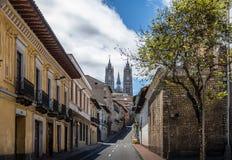 基多和大教堂del沃托Nacional -基多,厄瓜多尔街道  免版税库存图片