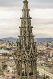 基多都市风景和圣胡安大教堂 免版税库存图片