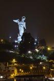 基多,厄瓜多尔的飞过的维尔京 [La Virgen de基多] 库存照片