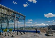 基多,厄瓜多尔, 2018年2月02日:水Yaku博物馆metalliz结构室外看法位于城市的  免版税库存照片