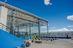 基多,厄瓜多尔, 2018年2月02日:水Yaku博物馆metalliz结构室外看法位于城市的  图库摄影