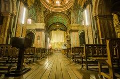 基多,厄瓜多尔, 2018年2月22日:la Catedral教会室内看法在基多` s大教堂里 库存图片