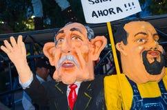 基多,厄瓜多尔- 2016年12月31日:传统monigotes或Paco蒙卡约峰总统候选人被充塞的钝汉与 免版税图库摄影