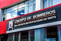基多,厄瓜多尔- 2017年1月02日:基多大城市区的消防队员大厦的室外看法的 免版税库存图片