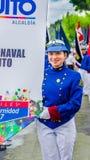 基多,厄瓜多尔- 2018年1月31日:穿Liceo的一件蓝色制服unidentifed妇女画象海军,举行a 库存照片