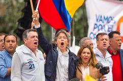 基多,厄瓜多尔- 2017年3月26日:吉列尔莫套索, CREO运动的候选人,与他的二项式一起, Andres Paez 库存照片