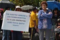 基多,厄瓜多尔- 2017年5月07日:未认出的人抗议得到正派与而不是指定合同一起使用 免版税库存照片