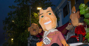 基多,厄瓜多尔- 2016年12月31日:代表政治人物,那的传统monigotes或被充塞的钝汉将 免版税库存图片