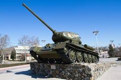 基希纳乌,摩尔多瓦- 2013年3月06共和国日:第二次世界大战t - 34的坦克 免版税图库摄影