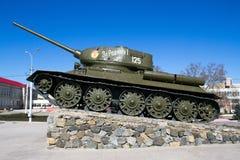 基希纳乌,摩尔多瓦- 2013年3月06共和国日:第二次世界大战t - 34的坦克 库存照片
