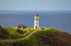 基拉韦厄点灯塔在夏天、天空蔚蓝和海洋,考艾岛,夏威夷,美国 库存照片