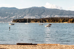 从基斯兰奴的史丹利公园和西温哥华视图在范靠岸 图库摄影