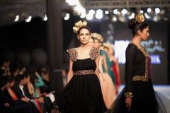 巴基斯坦时尚设计委员会(PFDC)秋天时尚星期2012年 免版税图库摄影