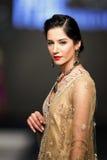巴基斯坦时尚设计委员会(PFDC)秋天时尚星期2012年 库存图片