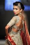 巴基斯坦时尚设计委员会(PFDC)秋天时尚星期2012年 库存照片