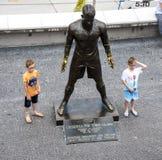 基斯坦奴・朗拿度,国际足球运动员普遍的雕象,出生在马德拉岛 免版税图库摄影