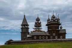 基日岛海岛,俄罗斯 古老木宗教建筑学 免版税库存图片