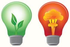 基本疾风电灯泡被获取的绿色叶子 免版税库存图片