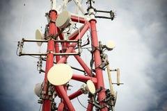 基本蓝色移动电话天空岗位电信耸立 图库摄影
