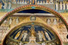 基督和圣徒 在圣诞老人Prassede大教堂的马赛克  免版税图库摄影