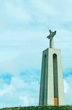 基督国王纪念碑在Almada 图库摄影