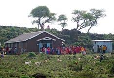 基督徒传教士对待当地居民 库存图片