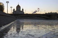 基督救世主大教堂在莫斯科 晚上冬天照片 免版税库存照片