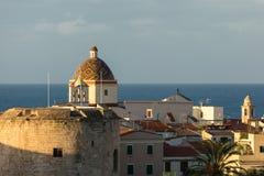 基耶萨圣米谢勒圆顶在阿尔盖罗,撒丁岛 免版税库存图片