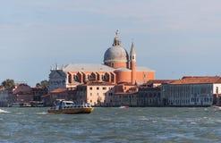 基耶萨del在大运河的Santissimo Redentore在威尼斯,意大利 库存图片