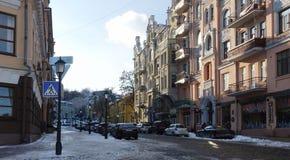 基辅古老街道Andreevsky下降,冬天 免版税库存图片