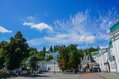 基辅巨大拉夫拉Vvedenskiy教会正方形 免版税库存图片