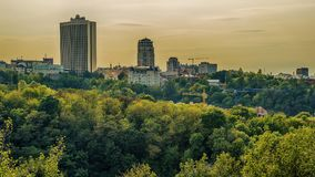 基辅或Kiyv,乌克兰:市中心的空中全景 免版税库存照片