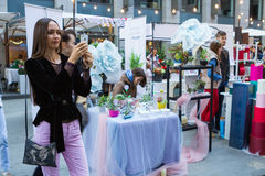 基辅花市场-第一朵城市花公平在基辅,乌克兰 2016年9月18日 图库摄影