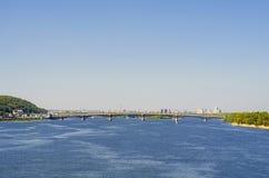 基辅,乌克兰看法  第聂伯河的银行 免版税图库摄影