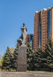 基辅,乌克兰:对卓著的乌克兰女诗人列斯的纪念碑 免版税库存照片